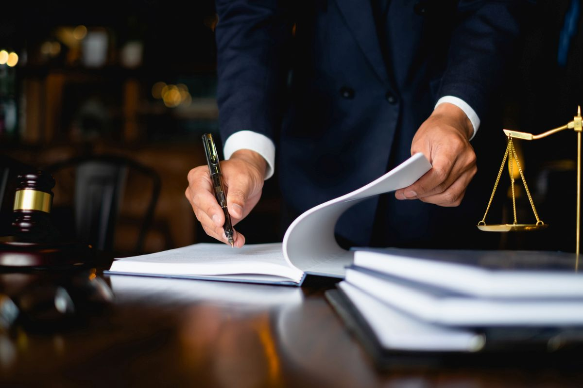 Choosing the right business immigration lawyer in Dallas, TX